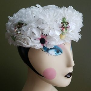 Vintage 1950's Pill Box Daisy flower pearl hat